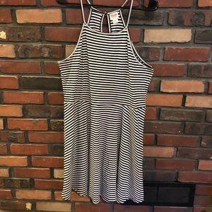 Black & White Striped Dress - size XXL